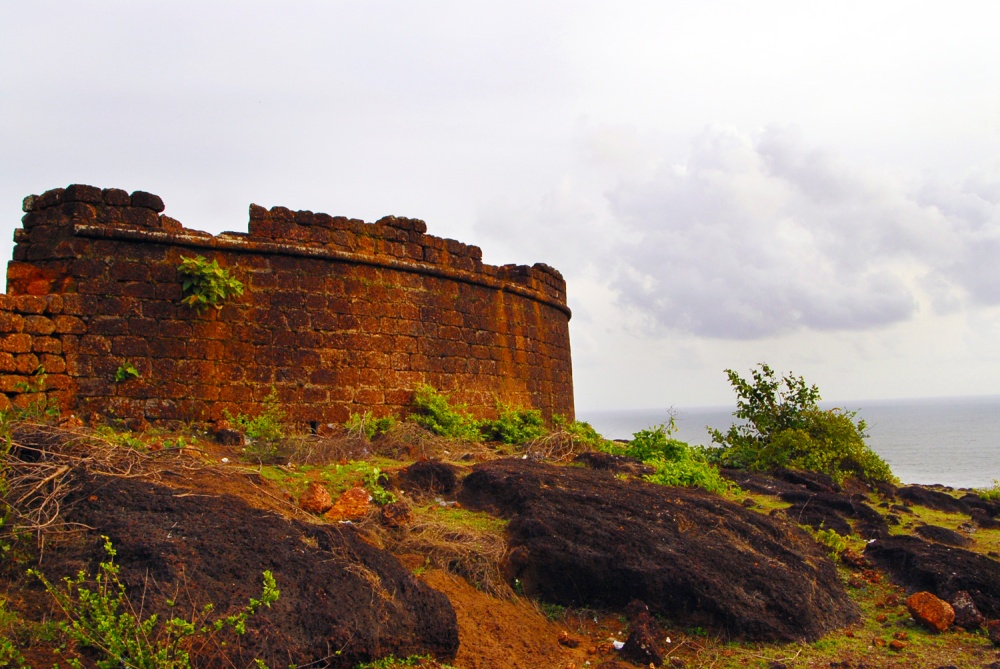chapora-fort-goa.jpg