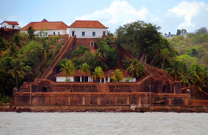 Reis-Magos-Fort-Goa.jpg