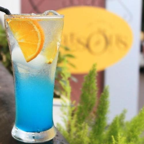 1465904219-blue-lagoon