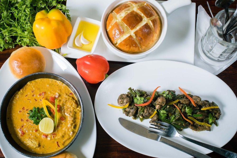 Ras Omelette, Pull Apart Bread & Goan Chilli Chicken.jpg