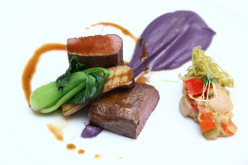 Lamb loin with purple potatoes